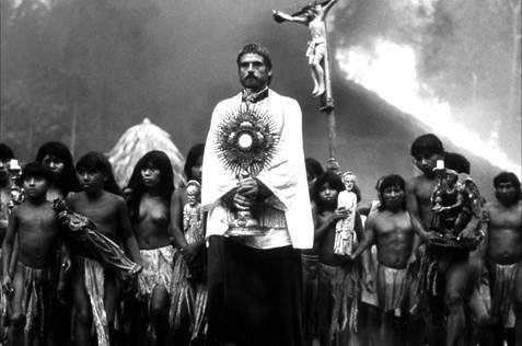 Bien qu'il situe son action plus loin dans le temps, en 1750, le film Mission (Angleterre, 1986. Réalisation : Roland Joffé) est une reconstitution intéressante pour saisir les conséquences de l'opposition entre les projets colonisateurs des Jésuites et ceux des empires portugais et espagnols.